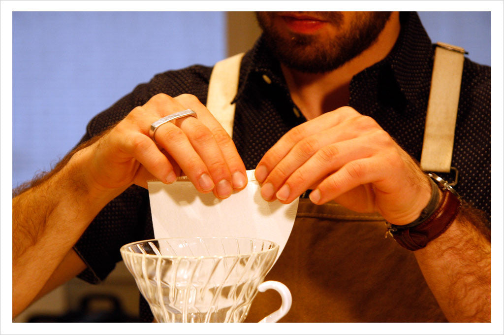 Caffe Umbria - preparing the filter for the Hario v60