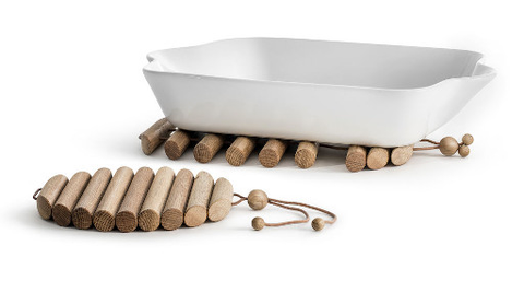 Expandable Oak Trivet