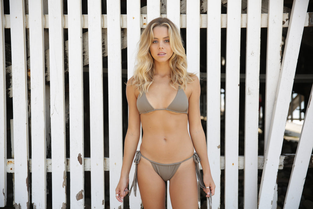 REVERSE - A spotlight on the reversible bikini