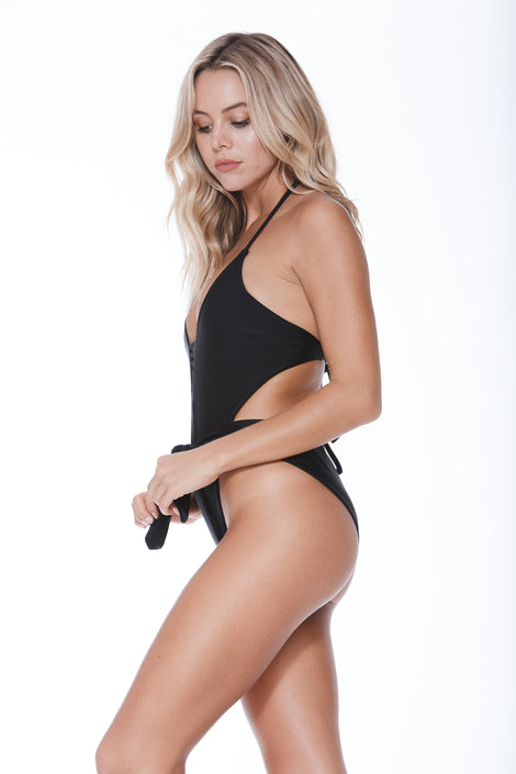 Jaymi One Piece - Black