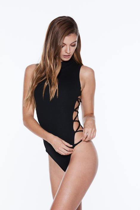 Dazzle Rash Gaurd - Licorice Rib