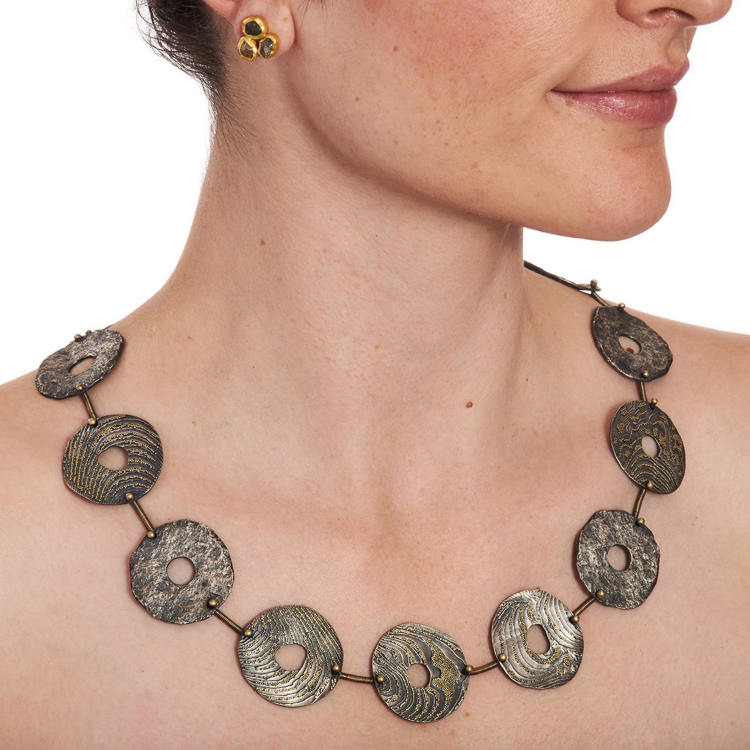 Disc Necklace with Golden Granules