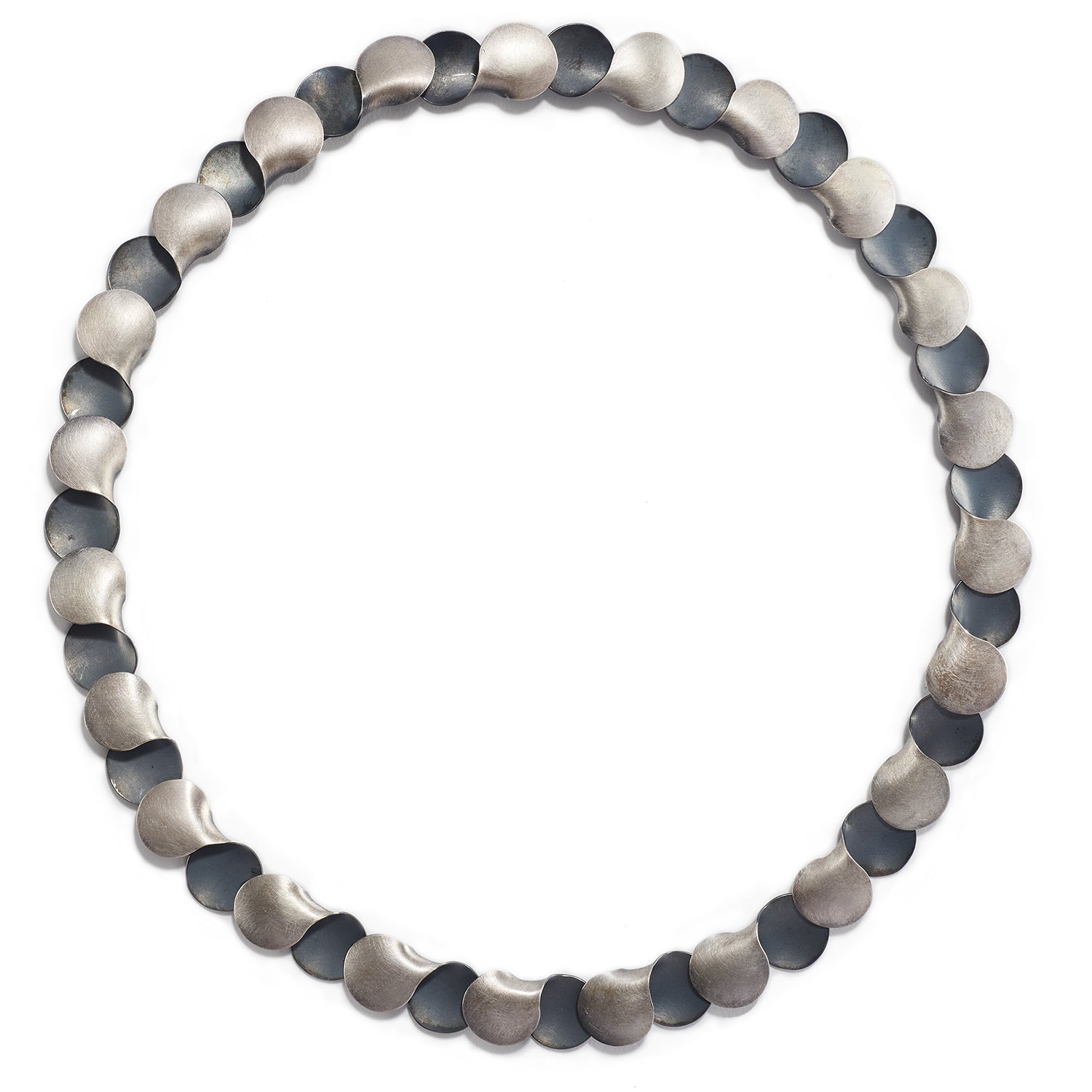Alternating Silver Circles Necklace