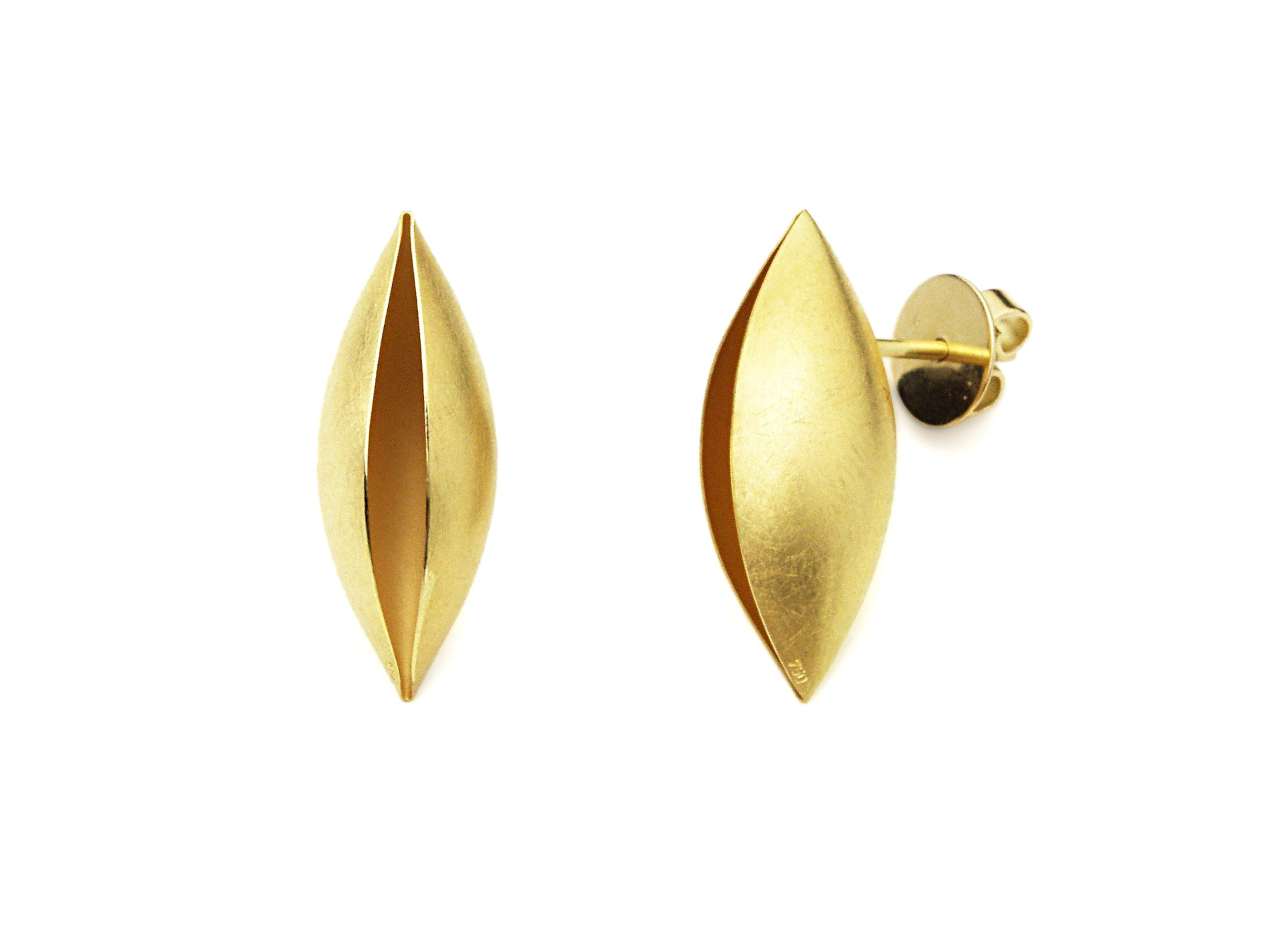 Cocoon Earrings With a Post~25mm