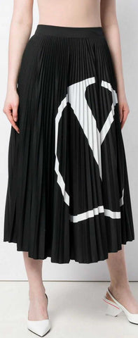 V-Logo Pleated Skirt