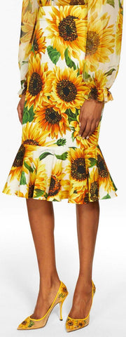 Fitted Flared Sunflower Print Skirt