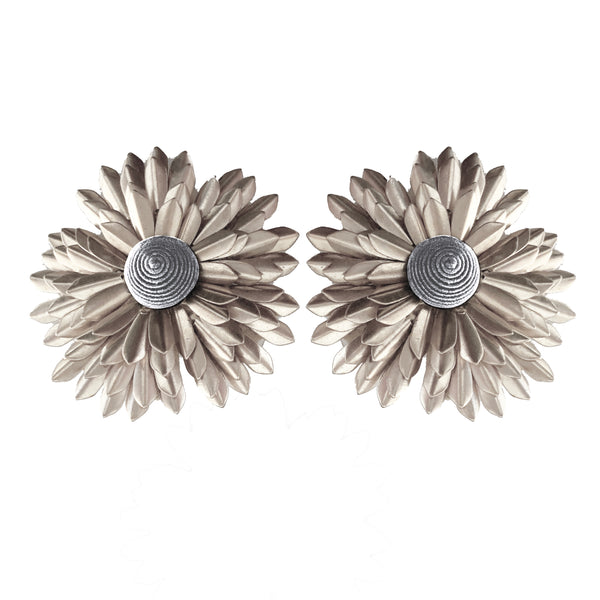 Metal Petal Flower - Gray