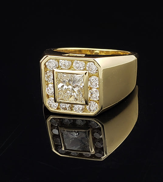Gents 18K Yellow Gold Diamond Ring 2.59 ctw