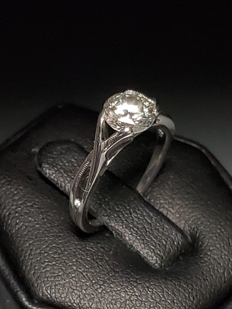 1.01 Carat Round Diamond Platinum Solitaire Engagement Ring