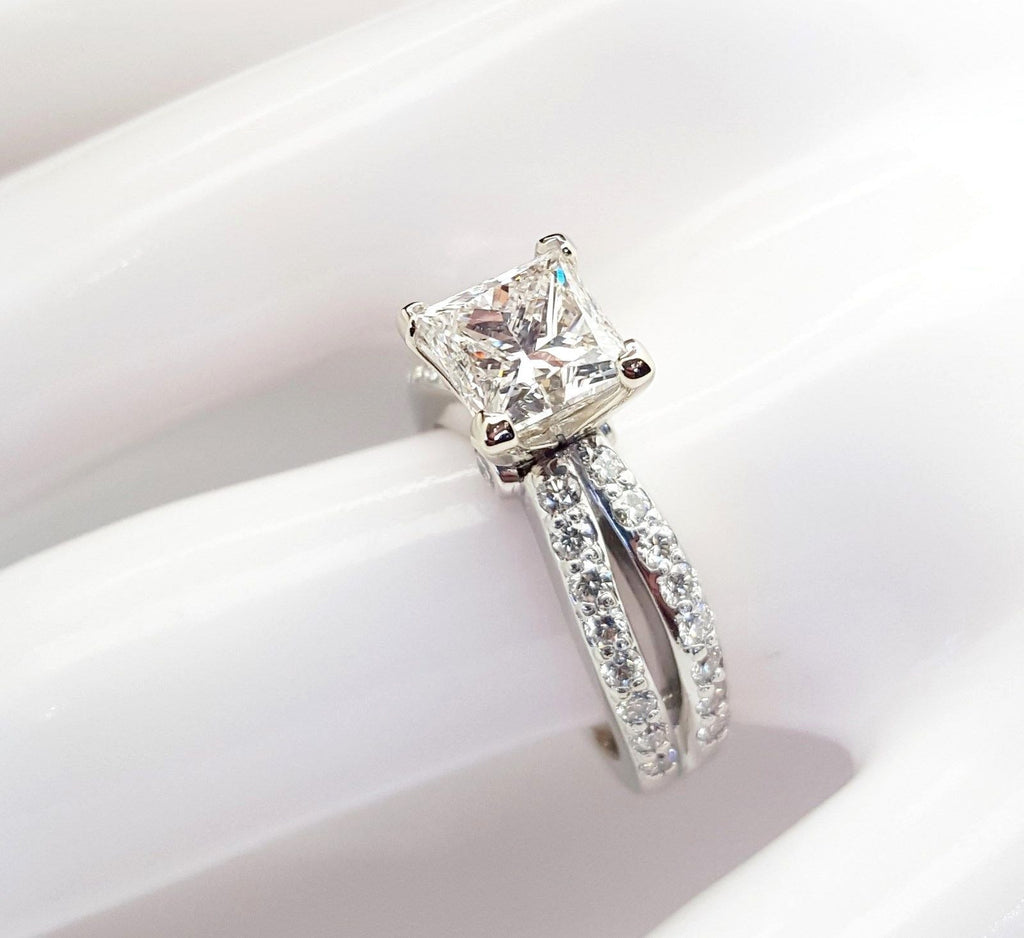 2 Carat Princess Cut Diamond Emgagement Ring