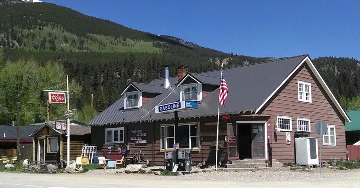 Twin Lakes General Store
