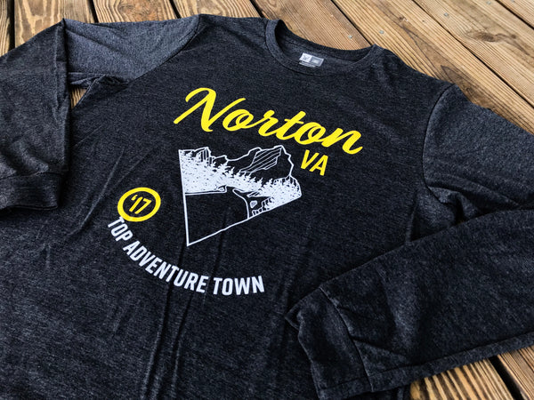Top Adventure Town Longsleeve