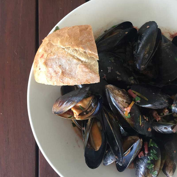 Portarlington Mussels served with crusty bread
