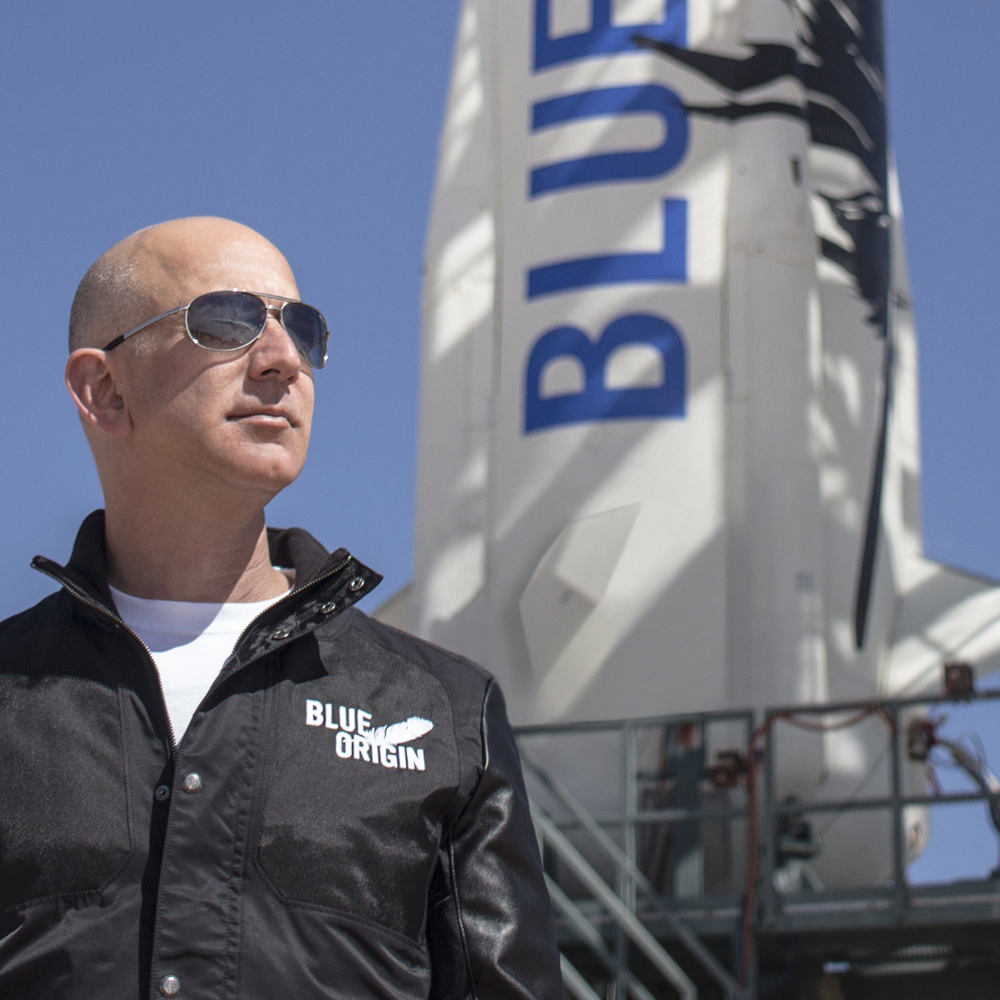 Living Legends of Aviation to honor Jeff Bezos with prestigious award for his work promoting freedom