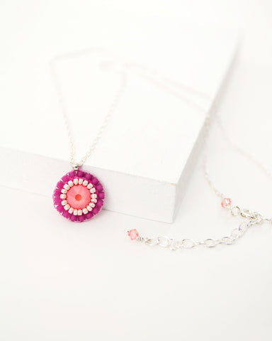 Coral and fuchsia pink beaded elegant swarovski necklace