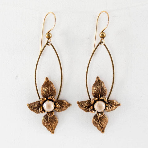 Dangle flower earrings