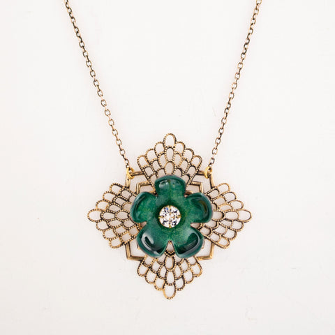 Unique emerald green necklace