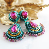 Emerald fuchsia gold dangle earrings - Exquistry - 4