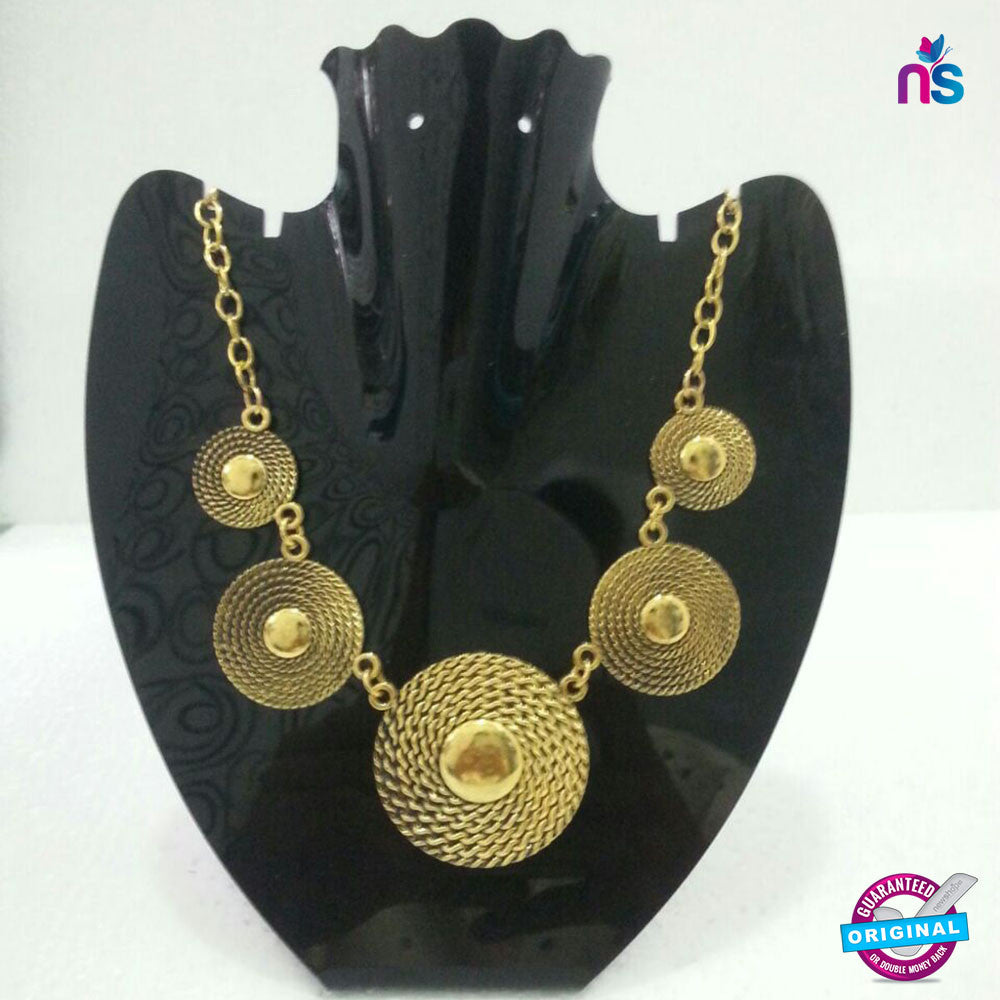 125 Exclusive Fashion Circulat Metal Chain Necklace in Golden Color