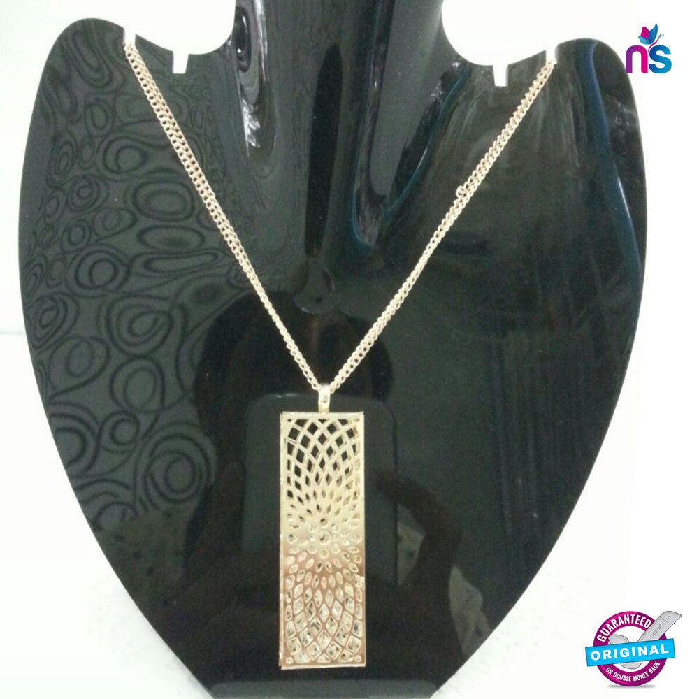 156 Exclusive Fashion Rectangular Pendant Necklace