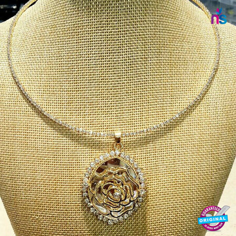 174 Exclusive Fashion Pendent Necklace