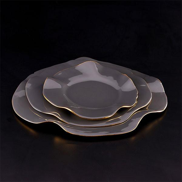 Ruffled Plates Graphite