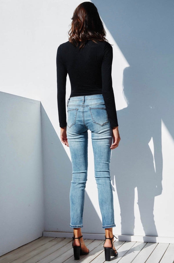 AVA JEANS