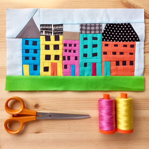 Quilters' Guild Virtual Conference 2021 - Video Workshop with Jo Avery - 'Tiny improv street scene' (On demand content from 16/04/2021)