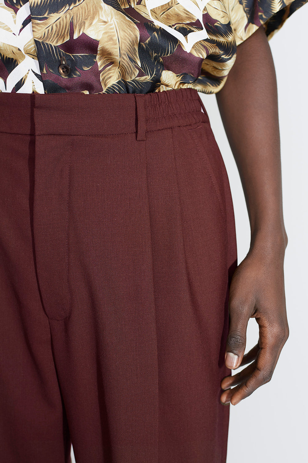 Jez pleat trousers Burgundy