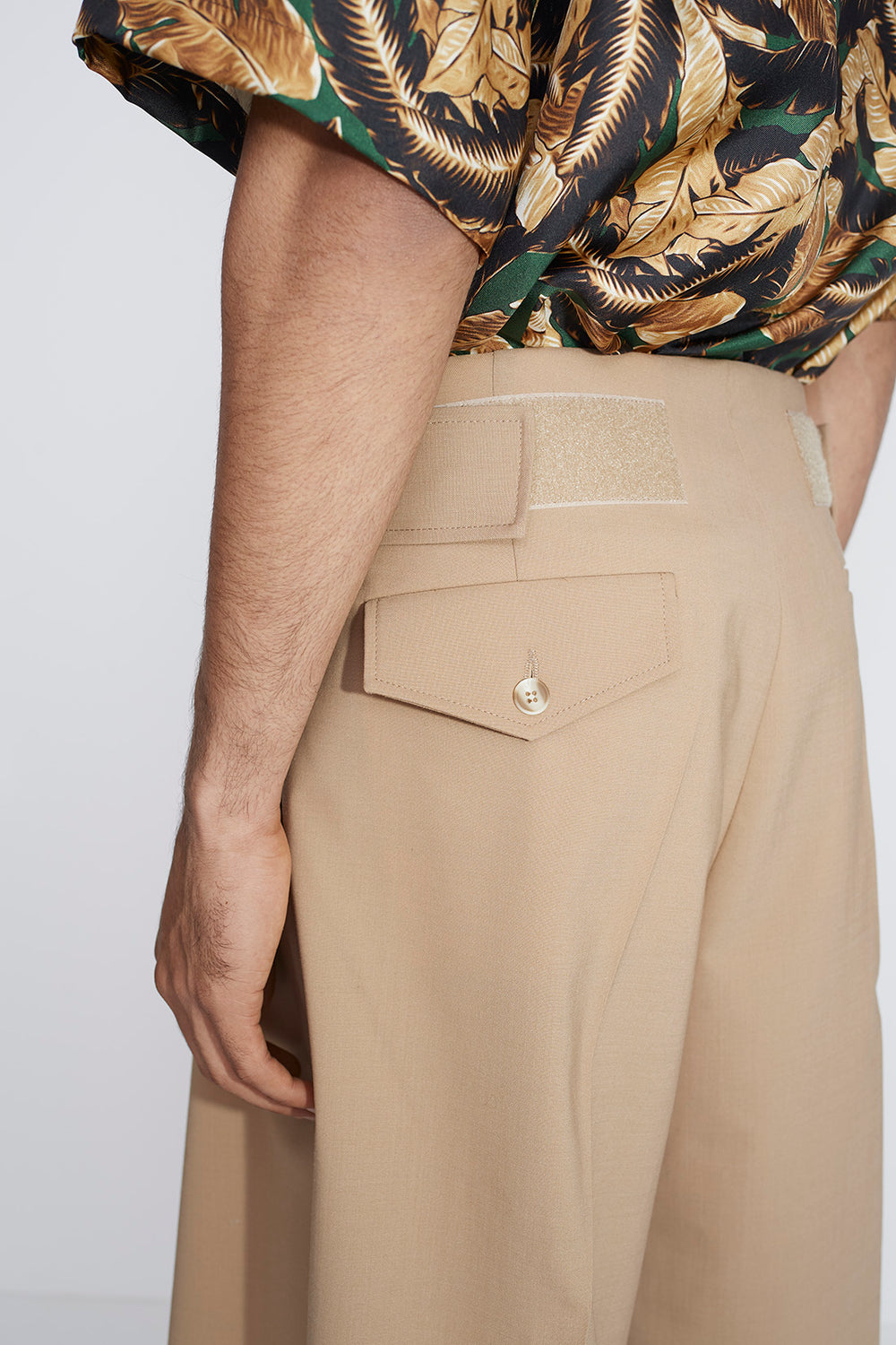 Jade wide shorts sand