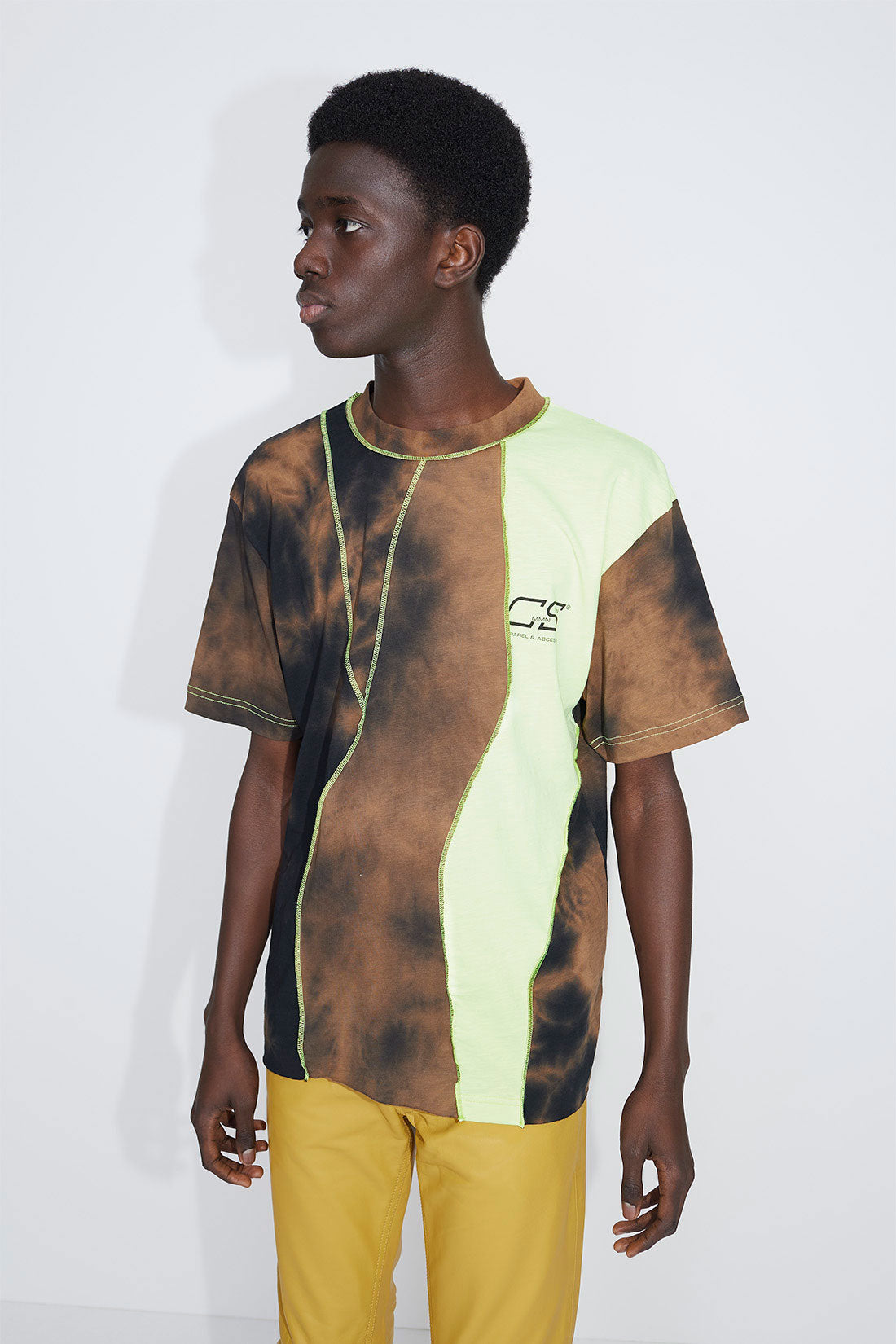 Raz panelled t-shirt brown/neon