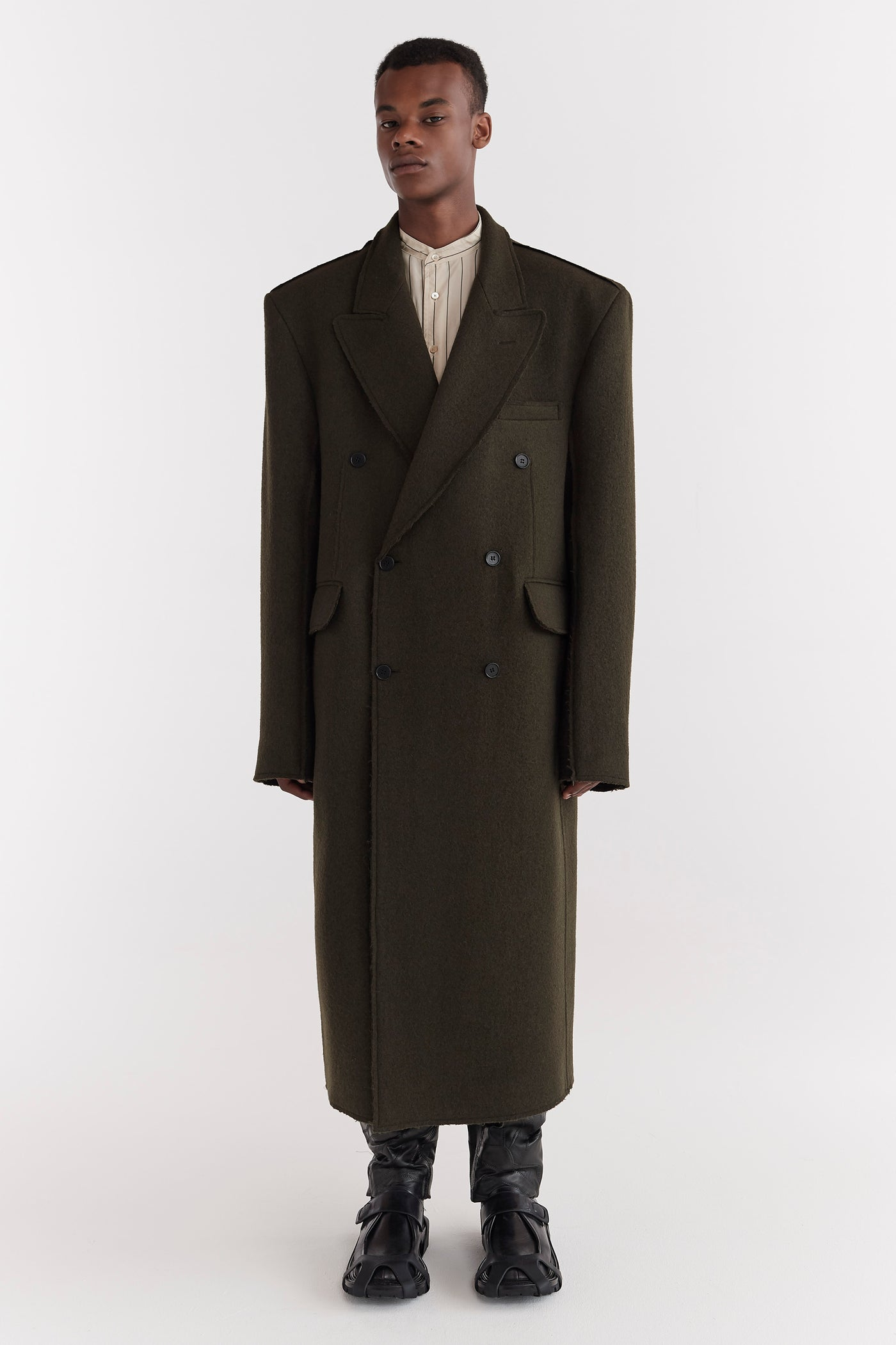 Omar Raw Edge Wool Coat Moss Green