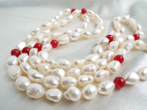 Baroque Natural Pearl Necklace Red Jade Beads - OnTrendAndFab