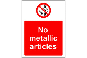 No metallic articles safety sign