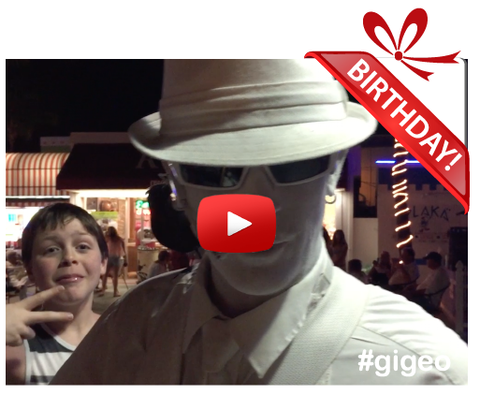 Gigeo® Personalized Videos - MAN IN WHITE COOL BIRTHDAY VIDEO GREETING - WhoLovesYou.ME - 1