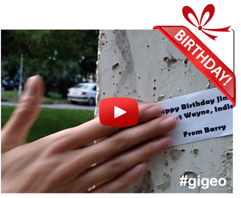 Gigeo® Personalized Videos - MESSAGE ON WALL BIRTHDAY VIDEO GREETING - WhoLovesYou.ME - 1