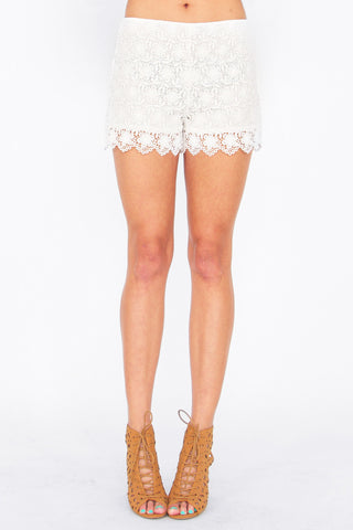 DAISY CROCHET SHORTS