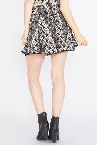 VANITY LACE SKIRT