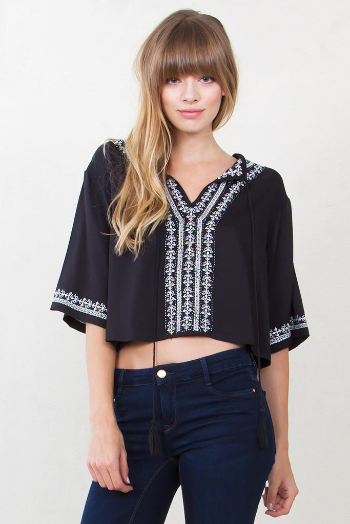 DAHLIA EMBROIDERED TOP
