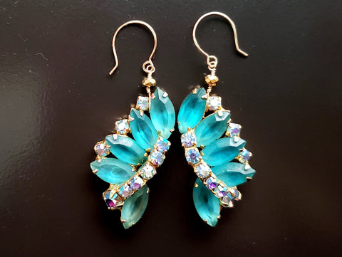 Fan of Blue with Aurora Sparkle Earrings