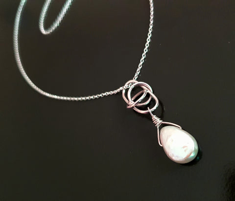 Love knot Pearl Sterling Silver Pearl Pendant Necklace