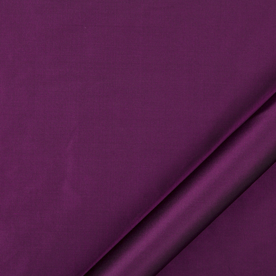 DRAPEABLE SILK Kerala Fabric - Aubergine