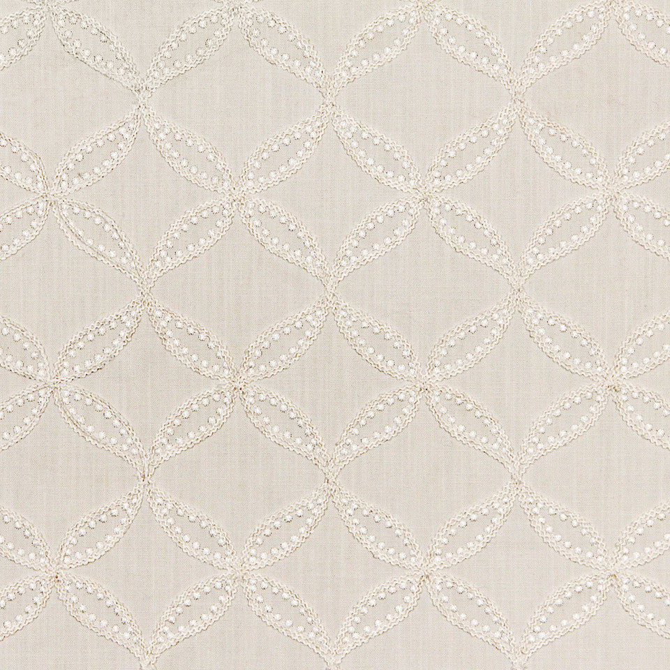 WILLIAMSBURG CLASSICS COLLECTION III Carrs Hill Fabric - Snow
