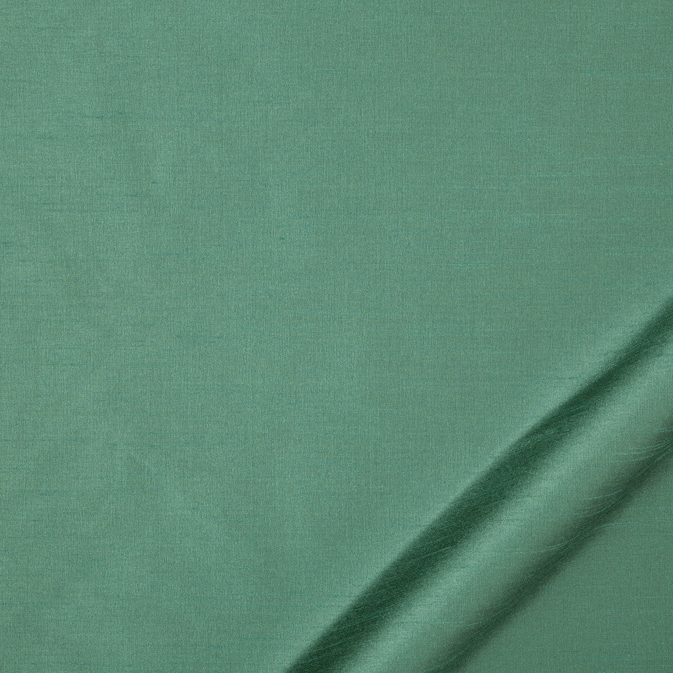DRAPEABLE SILK LOOKS Tramore II Fabric - Emerald