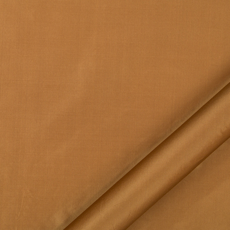 DRAPEABLE SILK Kerala Fabric - Auburn