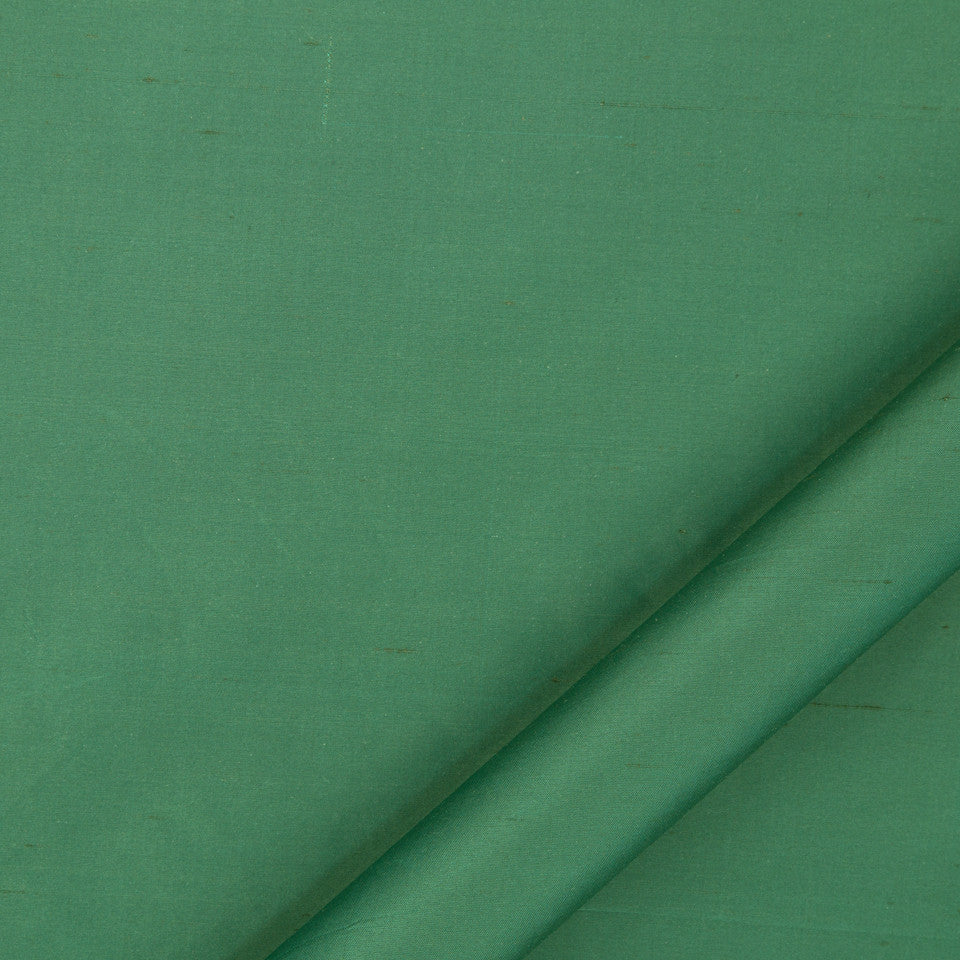 DRAPEABLE SILK Allepey Fabric - Ivy