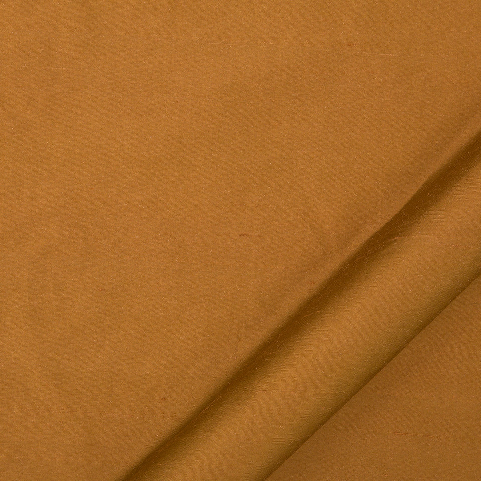 DRAPEABLE SILK Allepey Fabric - Auburn