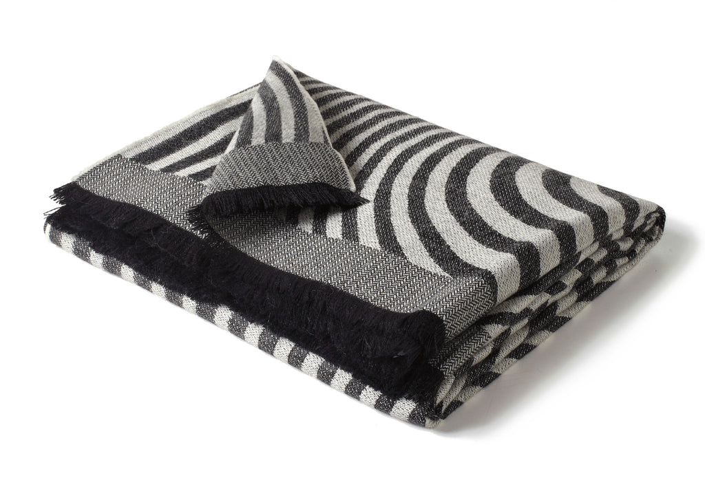 Labyrinth Throw - Gray