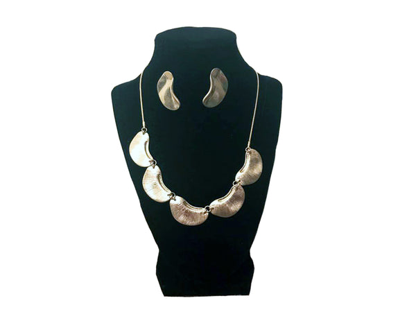 Gold Pear Shaped Necklace and Earrings - Envee Styles Boutique