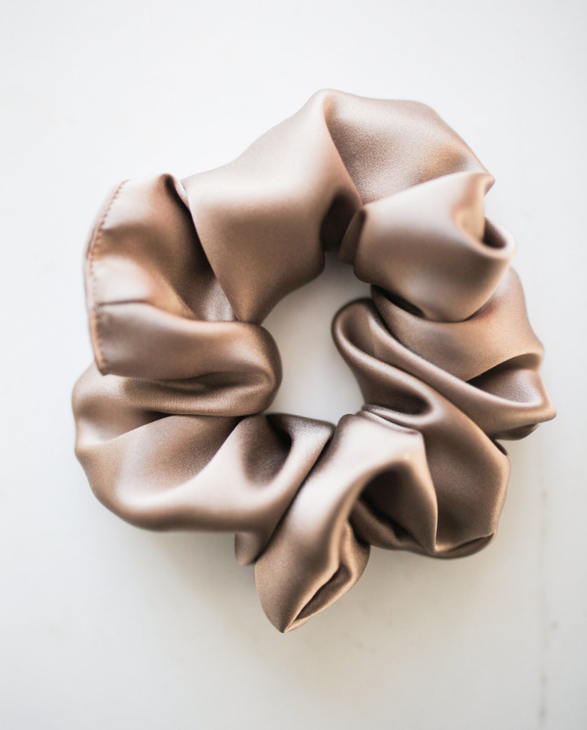 100% Silk Oeko-Tex Scrunchie - Sand